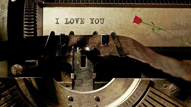 Newsletter schreiben - wie Liebesbriefe - Schreibmaschine mit I love you