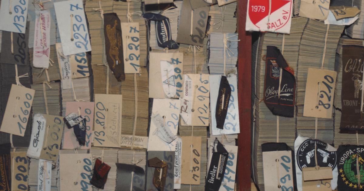 Lochkarten mit Etiketten, neudeutsch: Tags