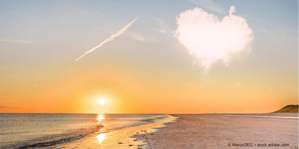 Gestaltgesetze - Wolkenbild mit Herz als Illustration zum Gesetz der